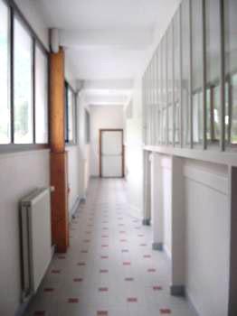 Couloir d'école APRES